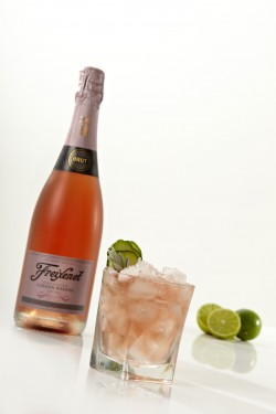 Shaken & Stirred Freixenet Rosado Alfresco